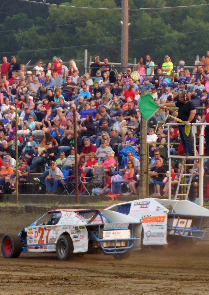 Crowd photo at Shadyhill Speedway