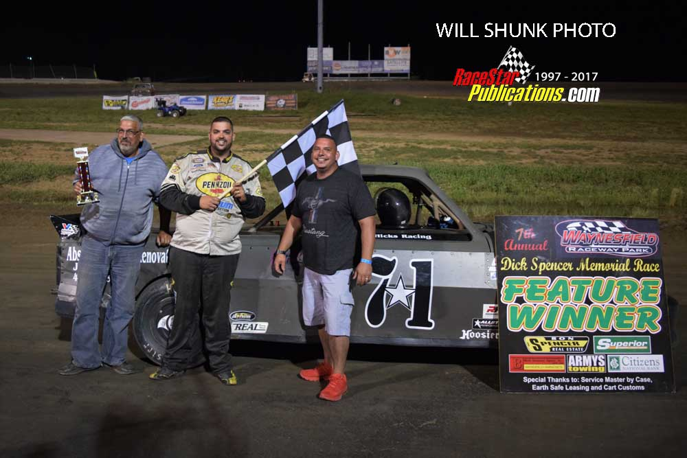 Chris Hicks victory lane | RaceStar Publications