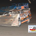 24 Ryan Unzicker #28 Dennis Erb Jr.